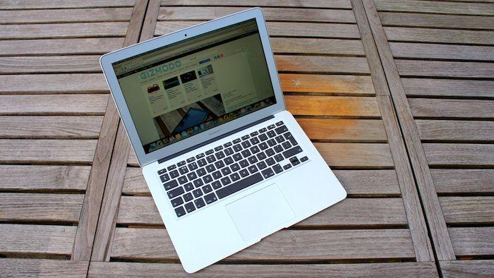 macbook-air-set-sales-record-raqwe.com-01