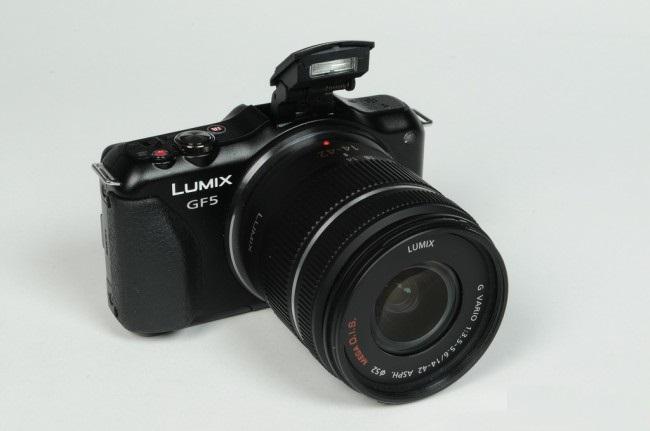 Review of Camera Panasonic Lumix GF5-raqwe.com-02