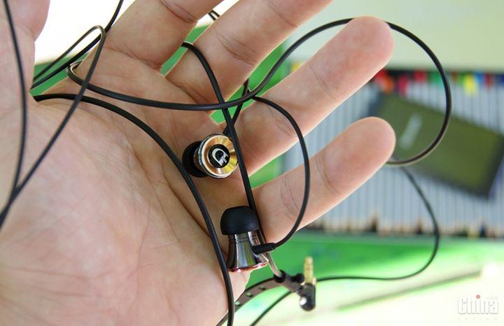 Overview headphones DUNU Trident (DN-12)