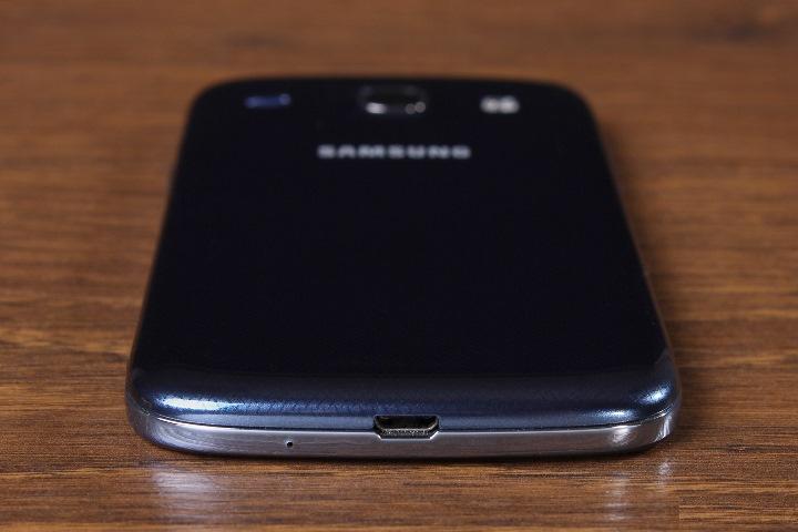 review-smartphone-samsung-galaxy-core-i8262-raqwe.com-05
