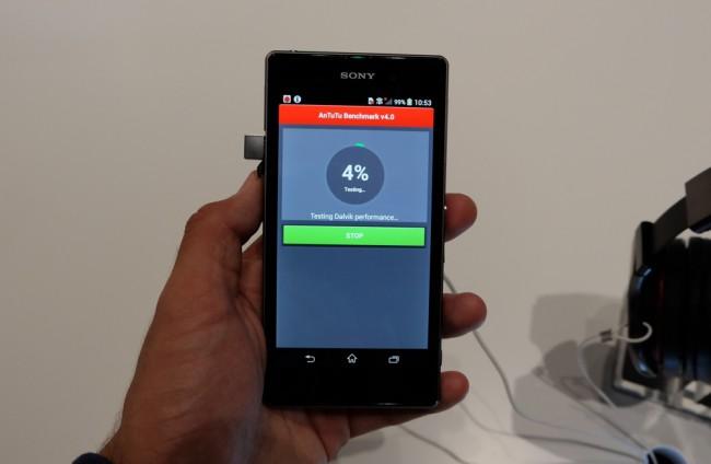 smartphone-sony-xperia-z1-raqwe.com-02