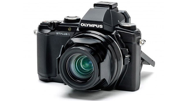 Olympus has announced a camera with a wide aperture STYLUS 1 10.7 x zoom
