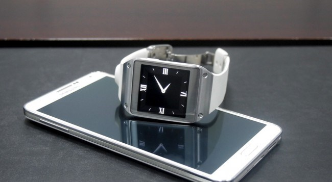 review-samsung-galaxy-gear-smart-watch-growth-raqwe.com-01