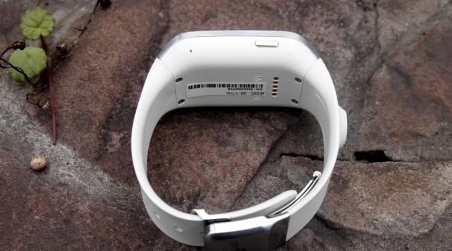 review-samsung-galaxy-gear-smart-watch-growth-raqwe.com-07