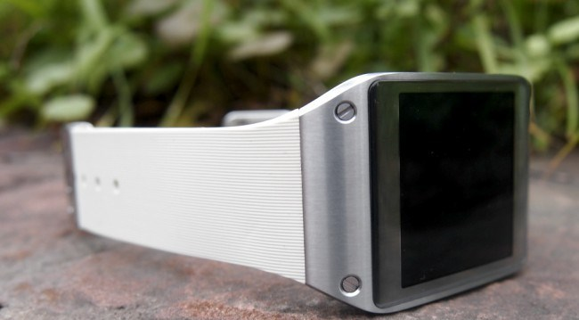 review-samsung-galaxy-gear-smart-watch-growth-raqwe.com-08