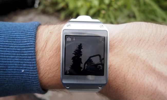 review-samsung-galaxy-gear-smart-watch-growth-raqwe.com-14