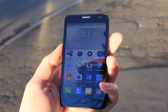 review-smartphone-alcatel-touch-idol-mini-raqwe.com-12