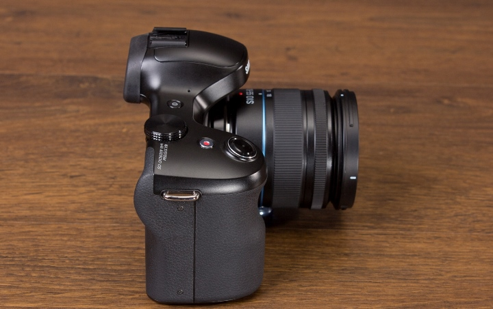 samsung-galaxy-nx-mirrorless-camera-android-raqwe.com-07