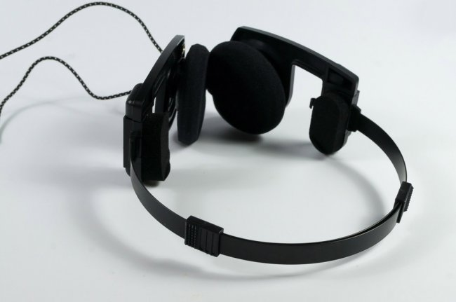 koss-porta-pro-overview-legendary-headphones-drawing-sporta-pro-raqwe.com-10