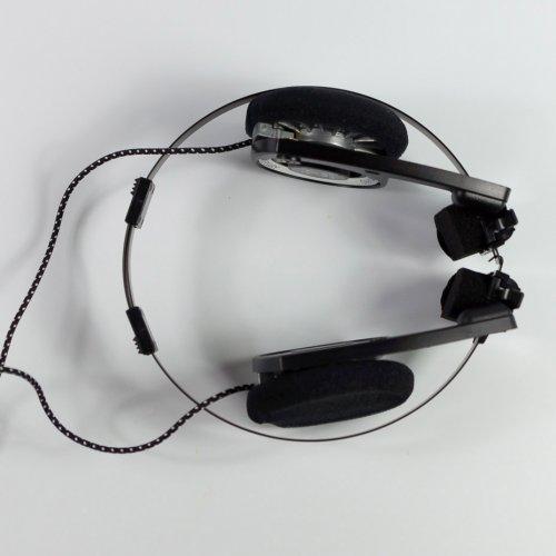 koss-porta-pro-overview-legendary-headphones-drawing-sporta-pro-raqwe.com-14