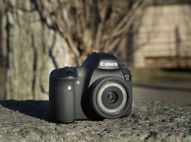 Overview Canon EOS 6D. Probably the most compact full-frame SLR in the world