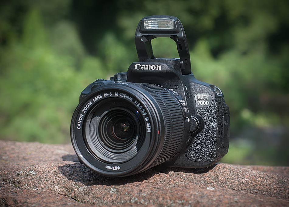 Review SLR camera Canon EOS 700D