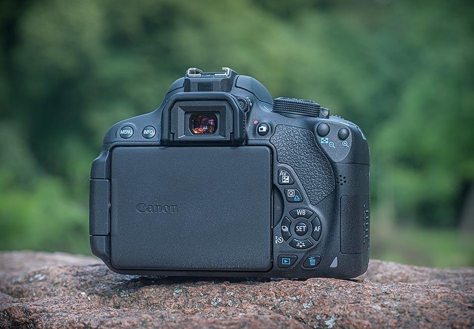 review-slr-camera-canon-eos-700d-raqwe.com-02