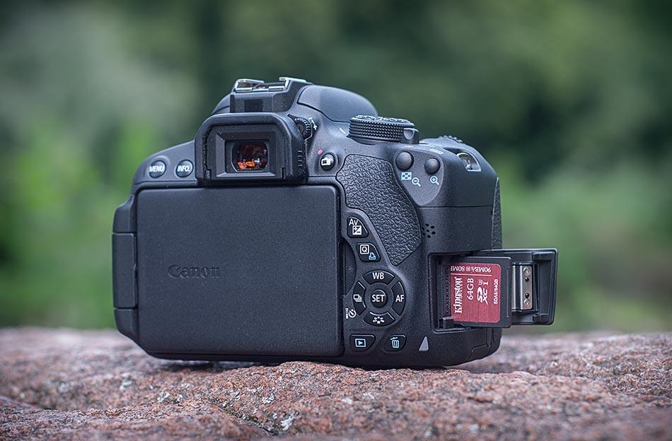 review-slr-camera-canon-eos-700d-raqwe.com-06