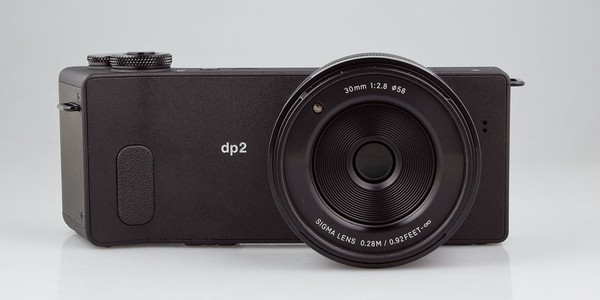 Review of the camera Sigma dp2 Quattro