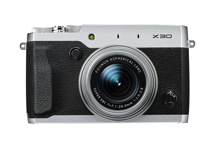 Camera new Fujifilm X30 review