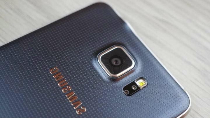 What owners complain Samsung Galaxy Alpha?