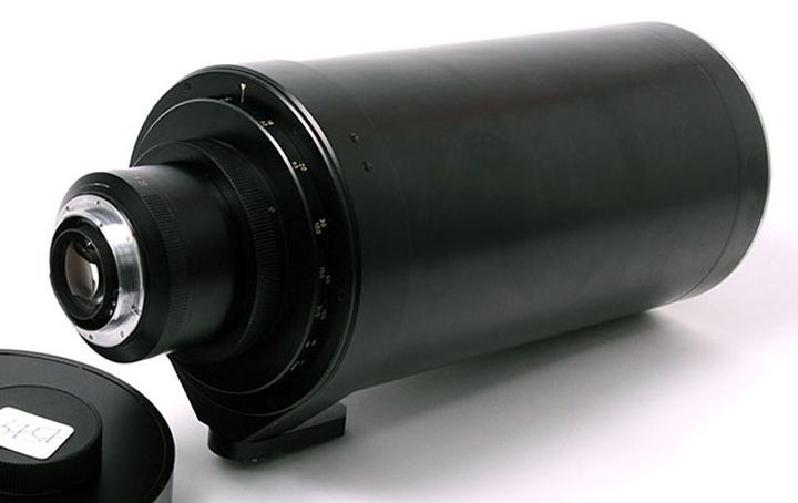 Exclusive lens Leica APO-TELYT 600mm f / 5 is available in a single copy for $ 230000