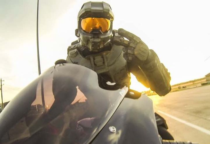 Hello, Master Chief: new motorcycle helmet in the style of ...