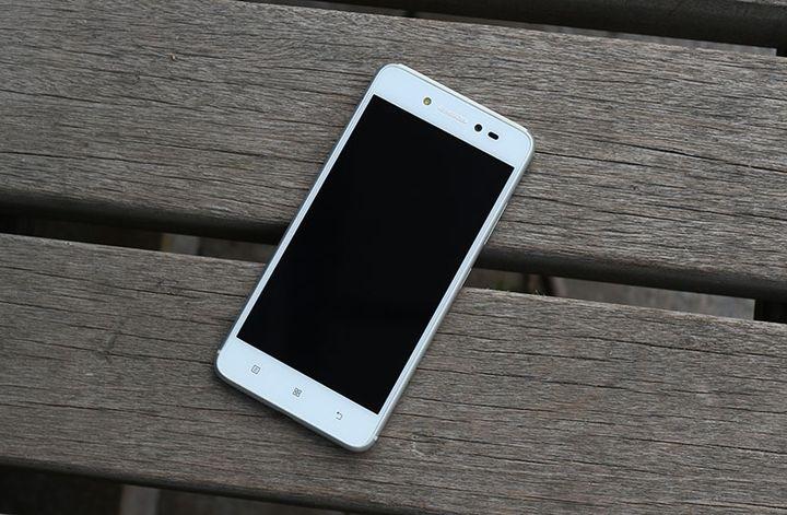 Smartphone Lenovo Sisley S90-A review