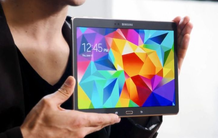 Render the tablet Samsung Galaxy Tab S2 appeared in the network