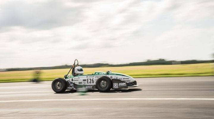 Dispersal of the fastest electric car to 100 km / h in 1,779 seconds