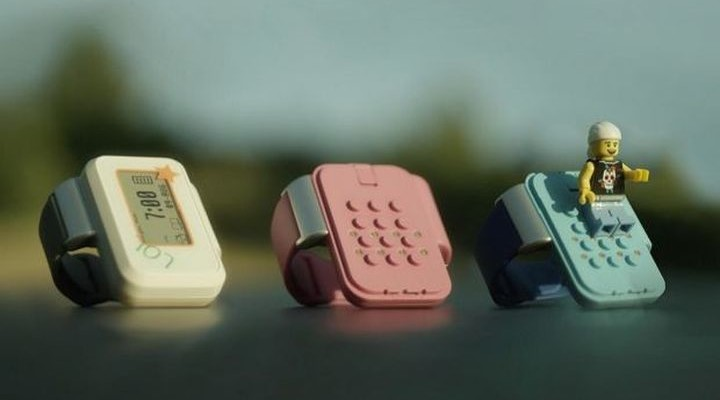 C-way: kids GPS-tracker, which is compatible with Lego