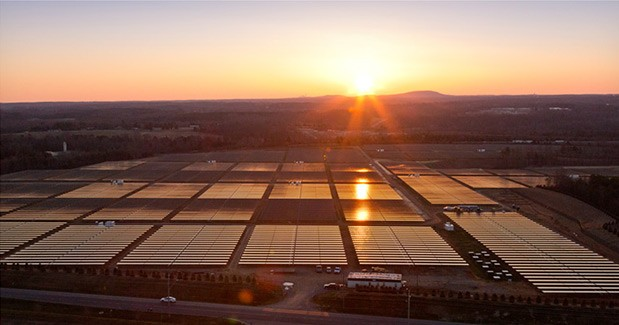apple-building-20-megawatt-solar-power-plant-nevada-raqwe.com-01