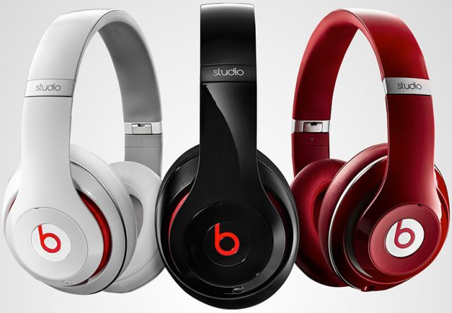 beats-dre-studio-over-ear-headphones-provide-20-hours-noise-cancelation-raqwe.com-01