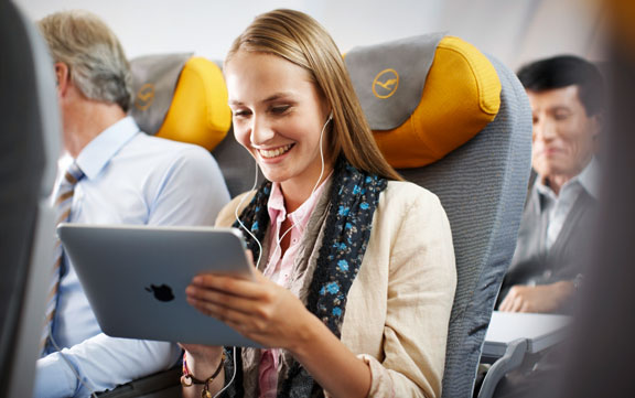 planes-ural-airlines-began-give-ipad-rental-raqwe.com-01