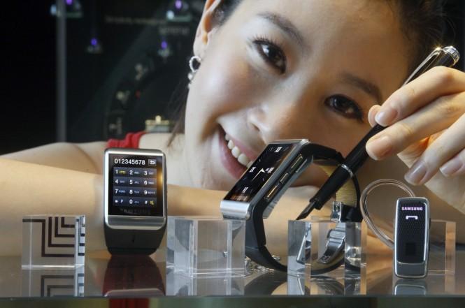 samsung-smart-device-market-began-shift-raqwe.com-01