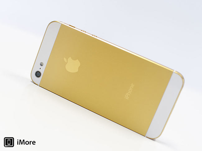apple-prepares-iphone-5s-case-gold-color-raqwe.com-01