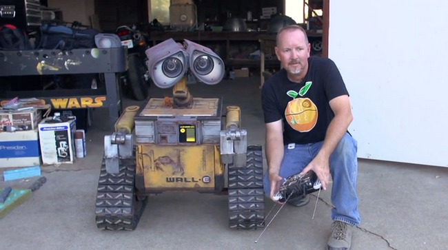 enthusiasts-have-created-a-robot-wall-e-life-size-raqwe.com-01