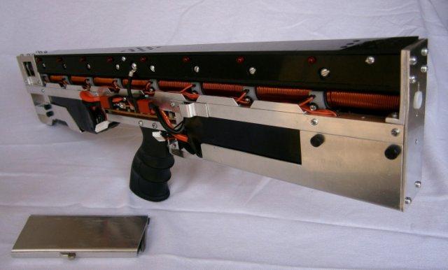 home-made-automatic-rifle-gauss-cg-42-video-raqwe.com-01