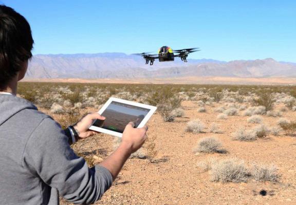 parrot-unveiled-kvadrolet-ar-drone-2-0-power-edition-autonomous-operation-36-minutes-raqwe.com-01