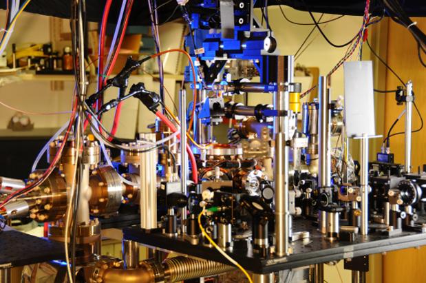 ultra-precise-atomic-clock-based-ytterbium-raqwe.com-01