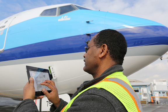 boeing-developed-ipad-app-aircraft-mechanics-raqwe.com-01