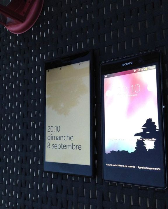 nokia-lumia-1520-compared-sony-xperia-raqwe.com-05