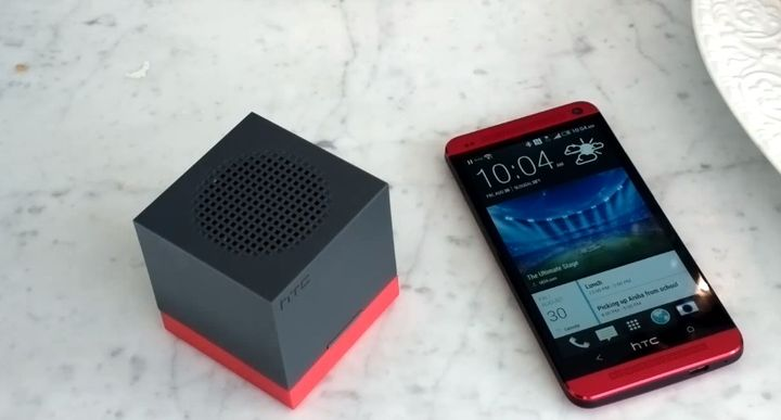 portable-system-smartphones-htc-boombass-raqwe.com-07