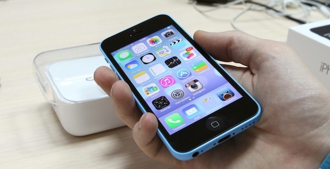 Review of iPhone 5c: Bright and fresh