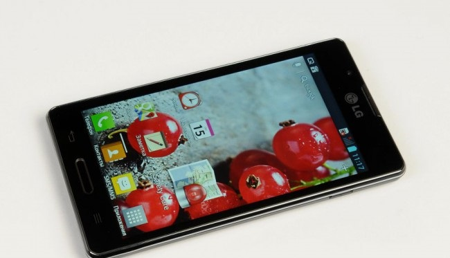 review-smartphone-lg-optimus-l7-ii-raqwe.com-02