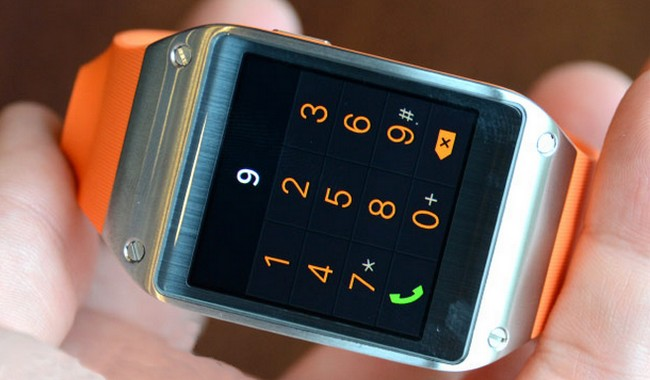 samsung-officially-unveiled-smart-clock-galaxy-gear-raqwe.com-01