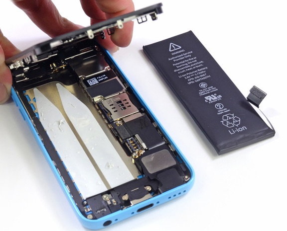 specialists-ifixit-disassembled-parts-iphone-5s-raqwe.com-03