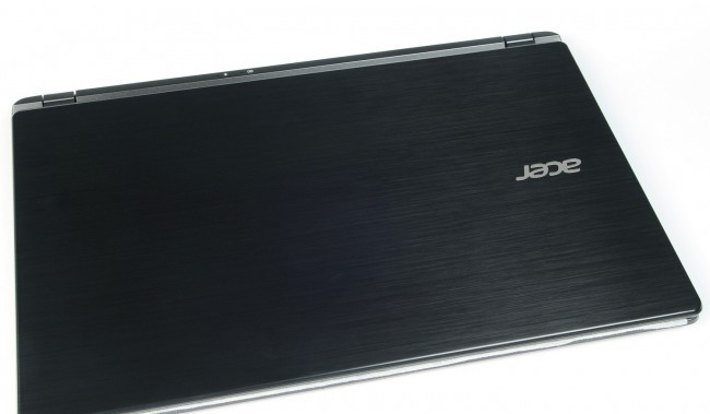 ultrabook-acer-aspire-v7-review-raqwe.com-04