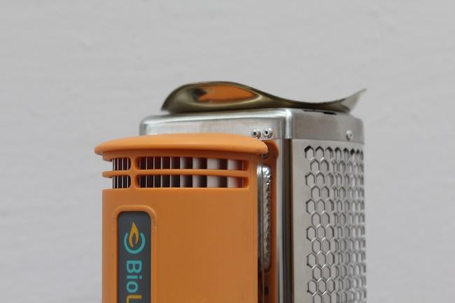 biolite-campstove-charge-iphone-stove-raqwe.com-01