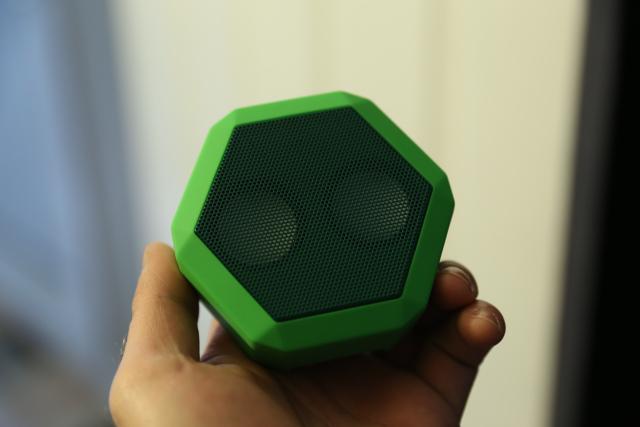 boombot-rex-speaker-clothespin-raqwe.com-01