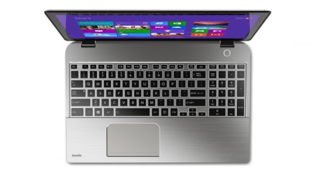 notebook-toshiba-satellite-e55d-review-raqwe.com-02
