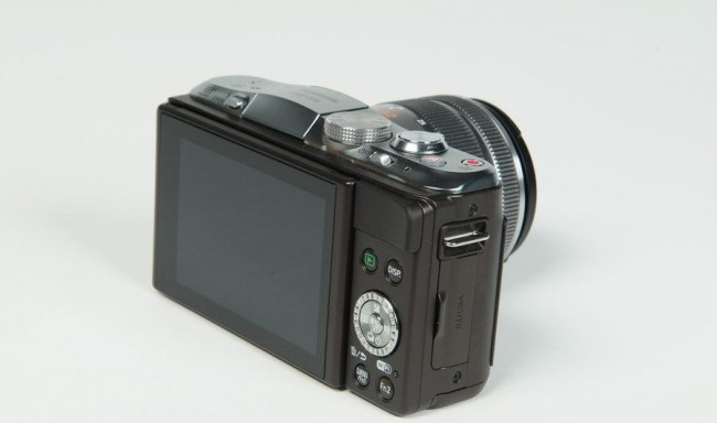 review-camera-panasonic-lumix-dmc-gf6-raqwe.com-07