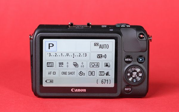 review-mirrorless-camera-canon-eos-raqwe.com-05