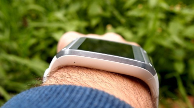 review-samsung-galaxy-gear-smart-watch-growth-raqwe.com-05